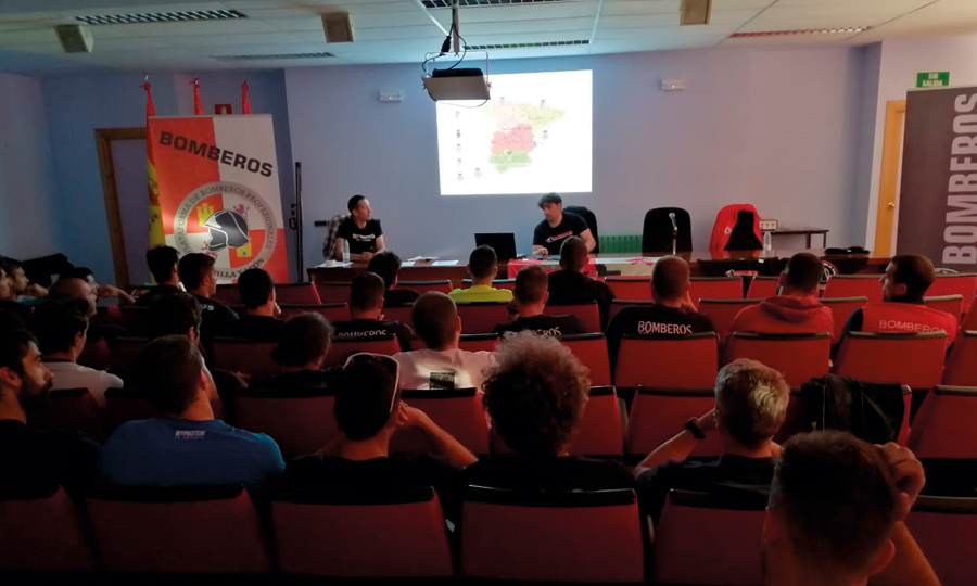 Presentación de la CUBP-CyL a los nuevos bomberos